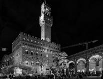 Firenze Piazza Della Signoria, Contrasti Artistici