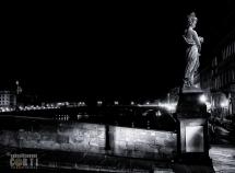Firenze, Ponte Santa Trinita, Statua dell'Estate