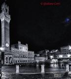 Siena Piazza del Campo primo quarto di luna
